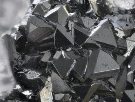 紫金矿业佩吉铜金矿正式投产